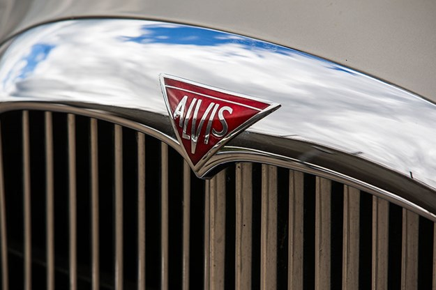 alvis-drophead-coupe-bonnet.jpg