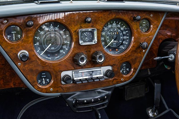 alvis-drophead-coupe-dash-4.jpg