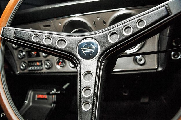 ford-phase-falcon-steering-wheel.jpg