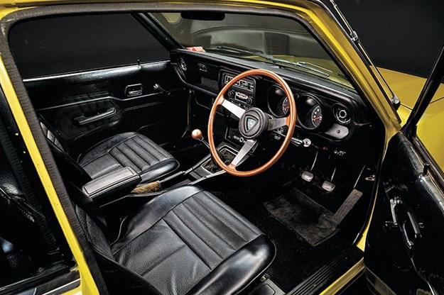 mazda-rx3-interior.jpg