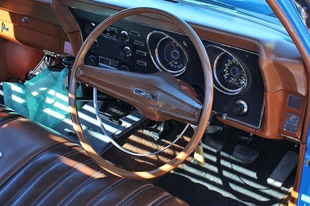 ford-falcon-xy-dash.jpg