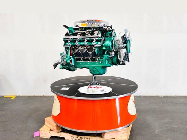 Chrysler-display-engine-Dodge-426.jpg
