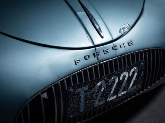 Porsche-Typpe-64-front-emblem.jpg