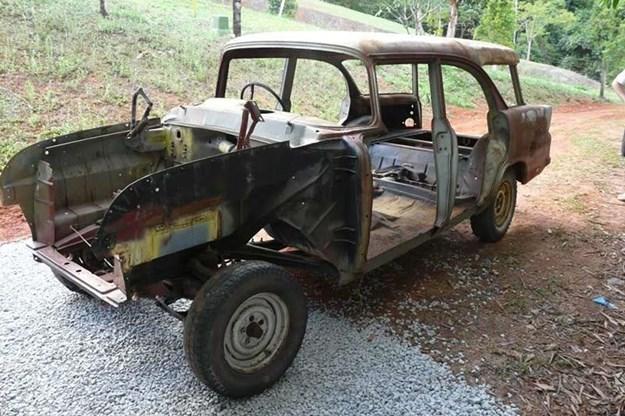 holden-ek-wagon-resto-3.jpg