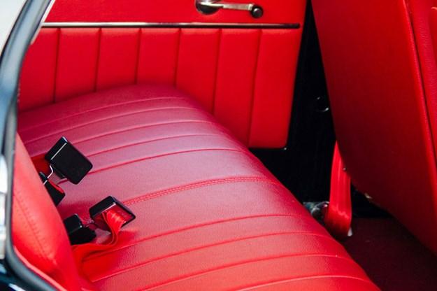 holden-ek-wagon-seats.jpg