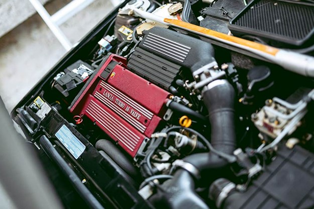 lancia-delta-integrale-engine-2.jpg