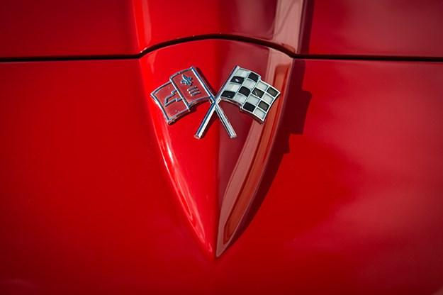 corvette-c2-bonnet.jpg