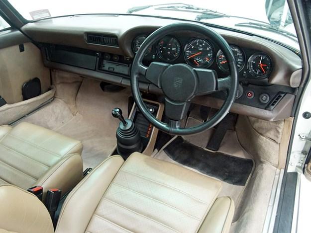 Shannons-Porsche-interior.jpg