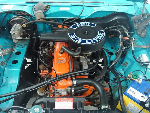 LX-Torana-SLR-3300-engine.jpg