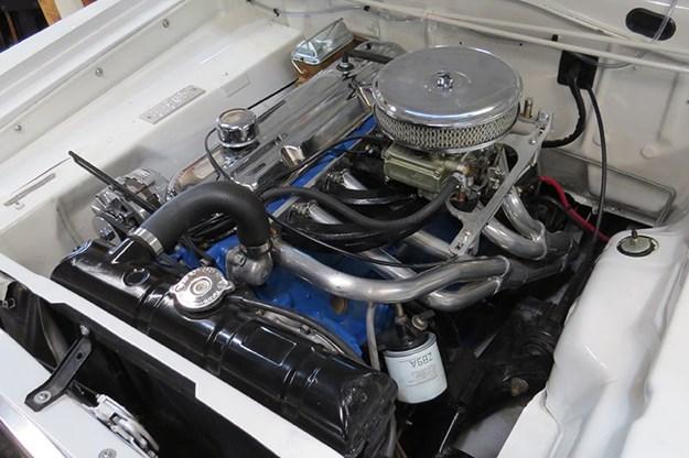 valiant-ute-engine-bay.jpg
