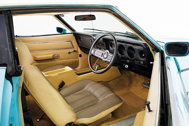 ford-falcon-xc-interior.jpg
