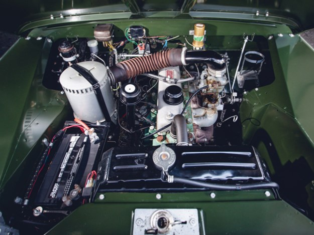 Dalai-Lama's-Land-Rover-engine.jpg