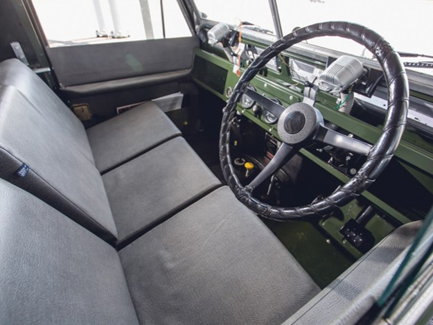 Dalai-Lama's-Land-Rover-interior.jpg