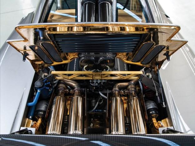 McLaren-F1-LM-Specification-engine.jpg
