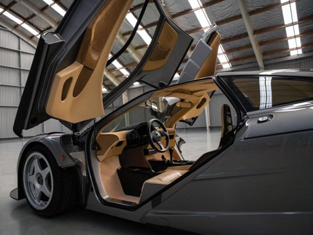 McLaren-F1-LM-Specification-interior-cabin.jpg
