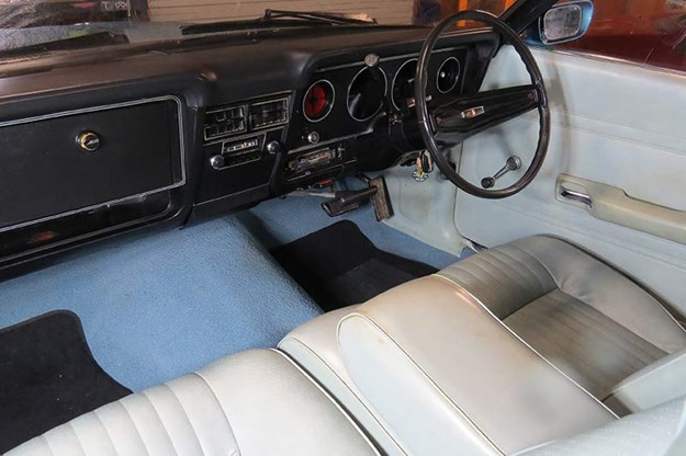 ford-falcon-xc-interior.jpg