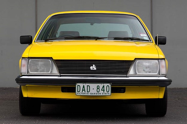 holden-commodore-vh-front.jpg