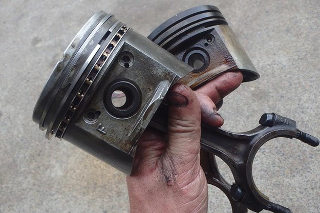 holden-commodore-piston-fix-7.jpg