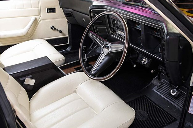 ford-falcon-xa-gt-rpo83-sedan-interior-2.jpg