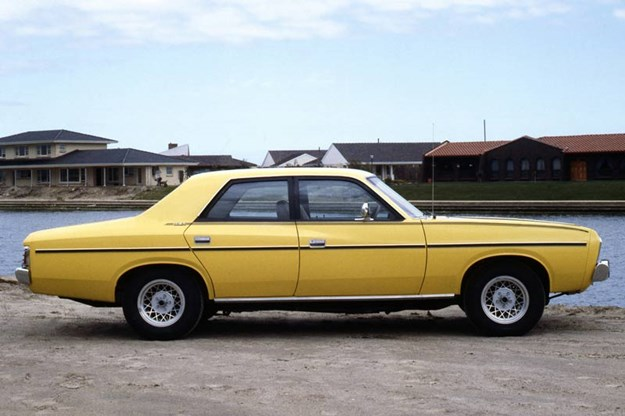 chrysler-valiant-side.jpg
