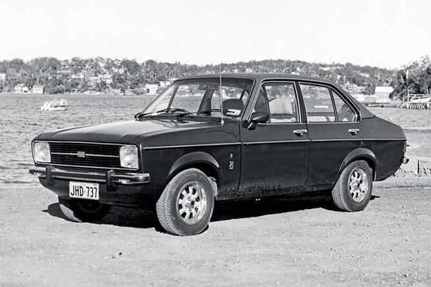 ford-escort-ghia.jpg