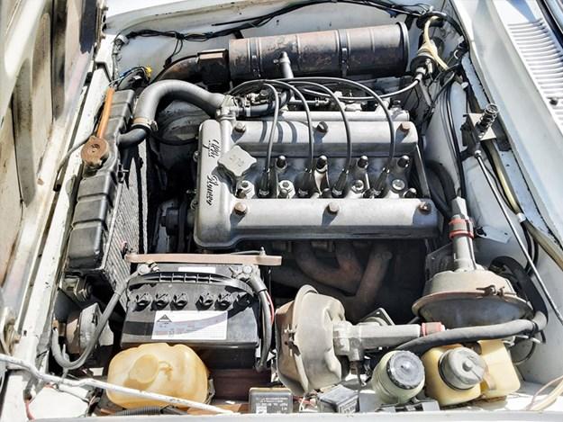 Alfa-1600-Junior-engine.jpg