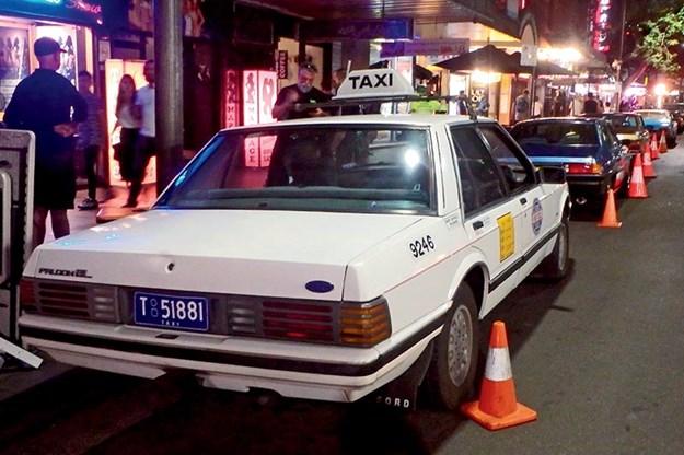 ford-falcon-taxi.jpg