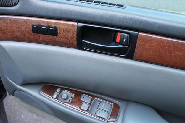 lexus-sc400-doortrim.jpg