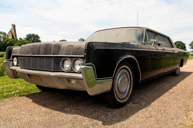 elvis-presley-lincoln-continental.jpg