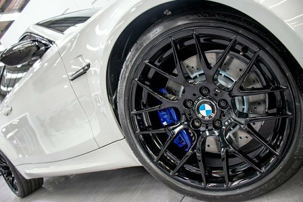 bmw-1m-wheel-2.jpg