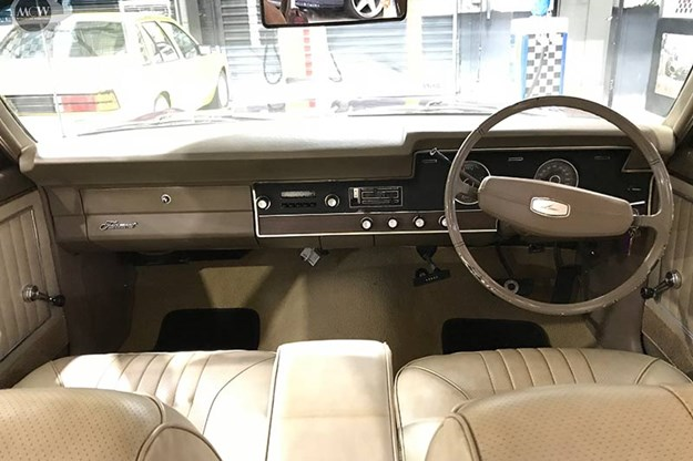 ford-xt-falcon-dash.jpg