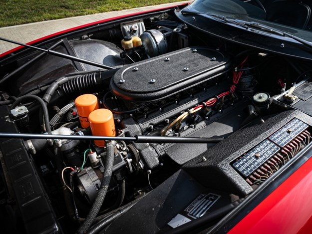 Elton-Johns-Ferrari-Daytona-engine.jpg