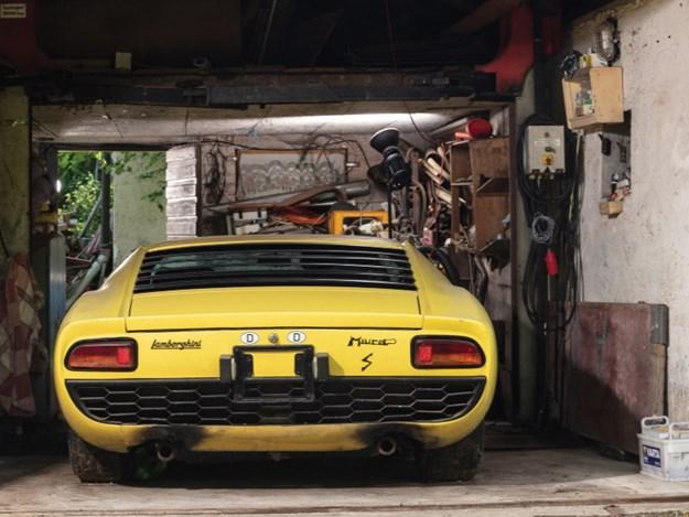 Lamborghini-Miura-rear-square-atmos.jpg