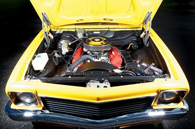 torana-engine-bay.jpg