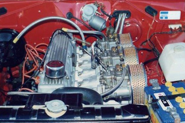 valiant-charger-e49-engine-bay-before.jpg