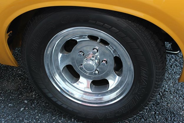valiant-charger-e49-wheel.jpg