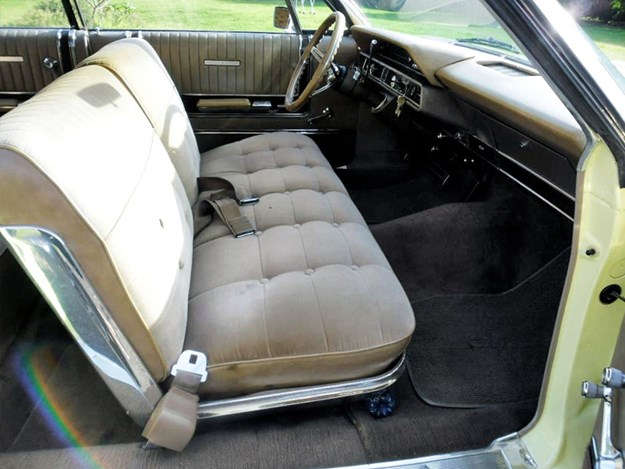 Ford-Galaxie-interior-dash.jpg