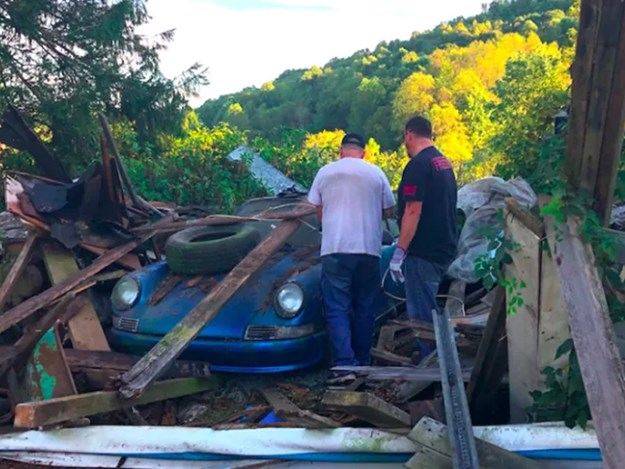 Barn-find-911-saving-almost-there.jpg