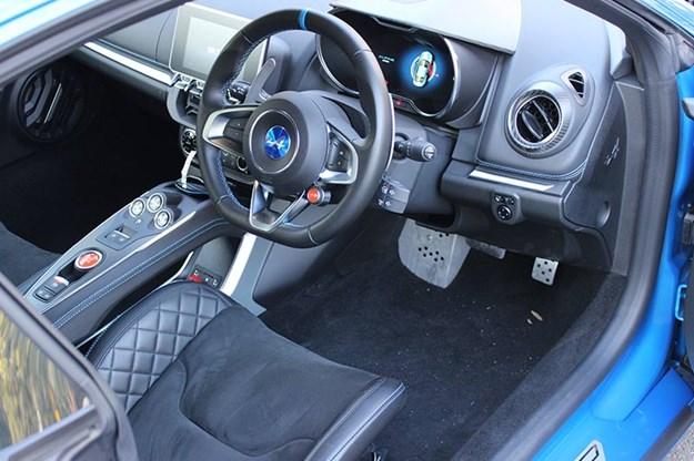 renault-alpine-interior-2.jpg