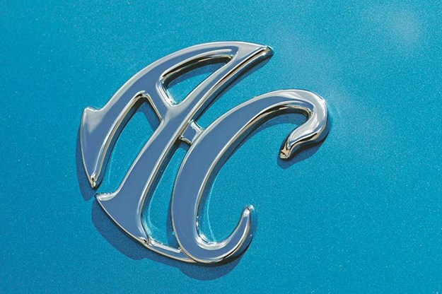ac-roadster-badge.jpg