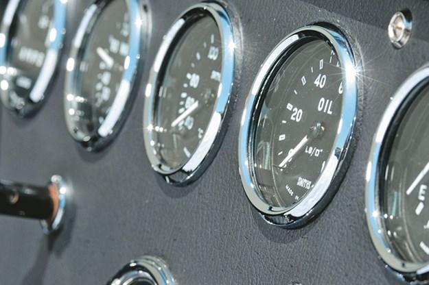 ac-roadster-gauges.jpg