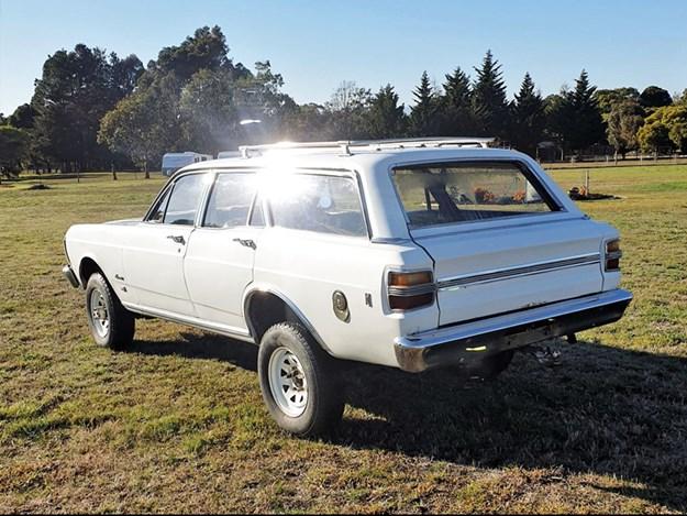 XY-Fairmont-4x4-rear.jpg
