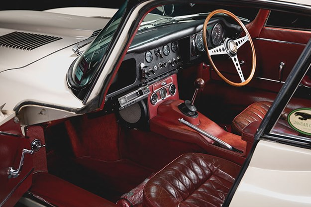 Jaguar-e-type-interior-2.jpg