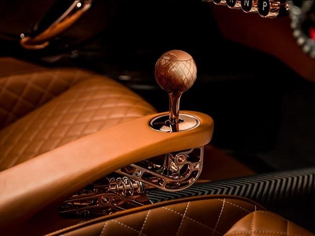 DeTomaso-P72-interior-gear.jpg