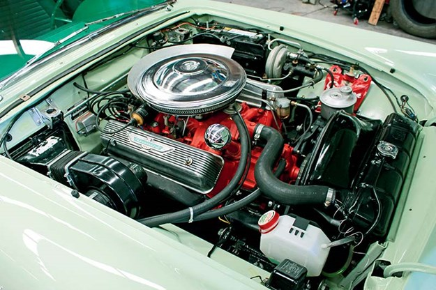 ford-thunderbird-engine-bay.jpg