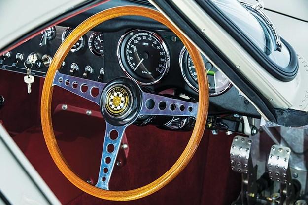 jaguar-etype-lightweight-dash.jpg