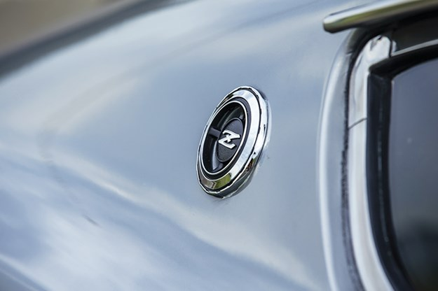 datsun-240z-badge3.jpg