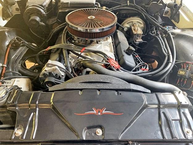 Buick-wildcat-engine.jpg