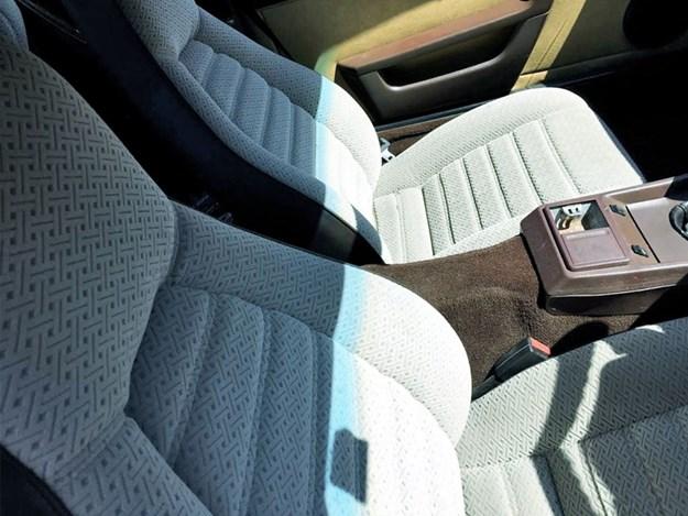 Porsche-924-interior-front.jpg