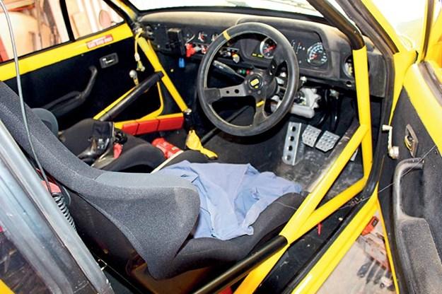 ford-escort-interior.jpg